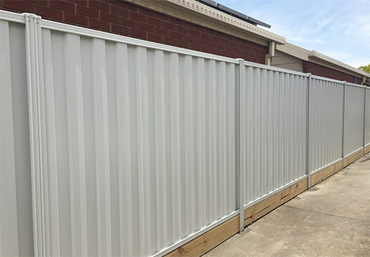 frontier fencing colorbond timber fence gate installer (2)